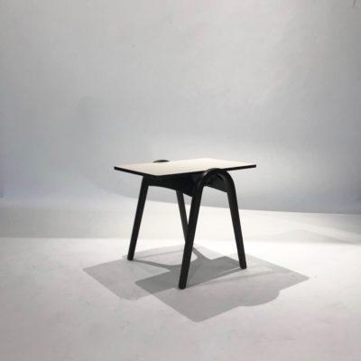 サイドテーブル T202